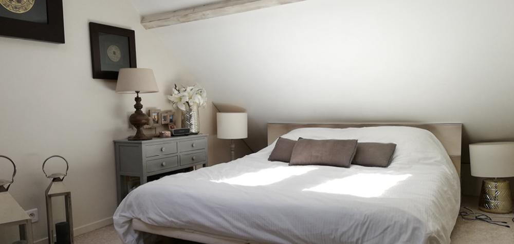White-création-avant-apres-decoration-chambre-parentale-salle-de-bain-lit